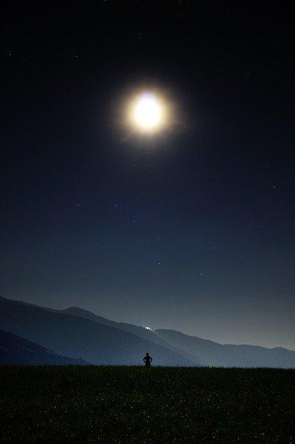 night-913046_640
